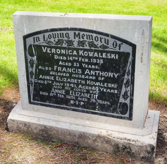 Headstone of Frank and Annie Kovalevski and Veronica Kovalevski.
