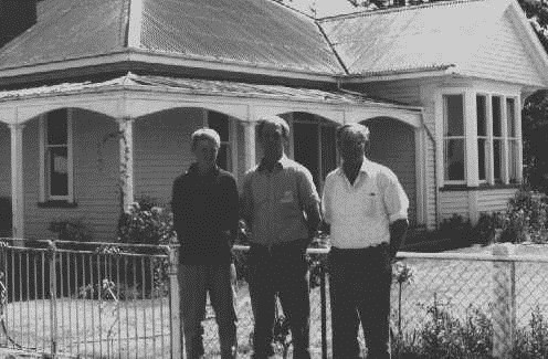Vic,  Kevin and Nathan outside the old Melrose house