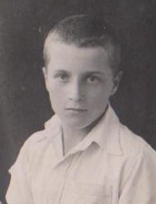 Joe Gratkowski as  a boy