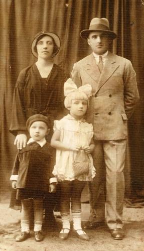 Jarka family circa  1933
