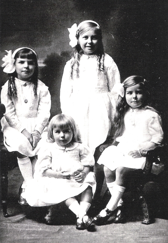 Ray, Gertrude,  Madeline and Mavis as young girls, studio pic