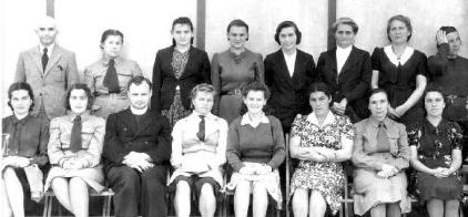 Walerija Zatorska with teachers and staff at Pahiatua