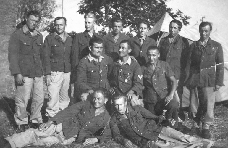 Assorted Polish  men from German units