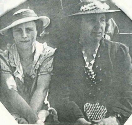 Winnie and Tess  Voitre