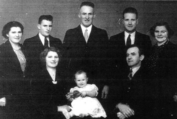 Studio photograph of  Yearbury family