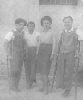 Bronisław  Bojanowski with nurse and two other injured soldiers at the Polish Military Hospital