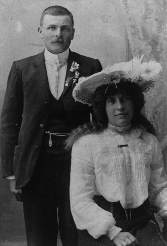 Anton Wisniewski and Martha Dodunski engagement