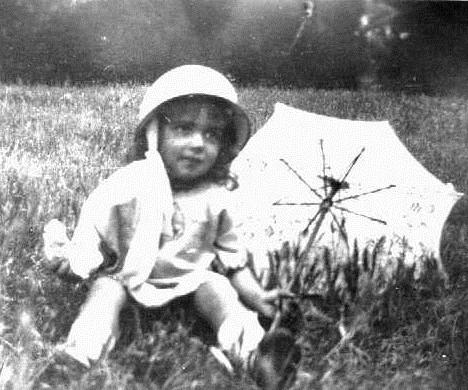 Ngaira  Schimansiki as a young girl