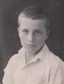 Joe Gratkowski as  a boy