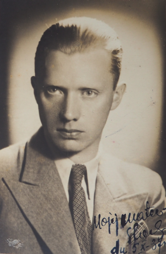 A head and shoulders 