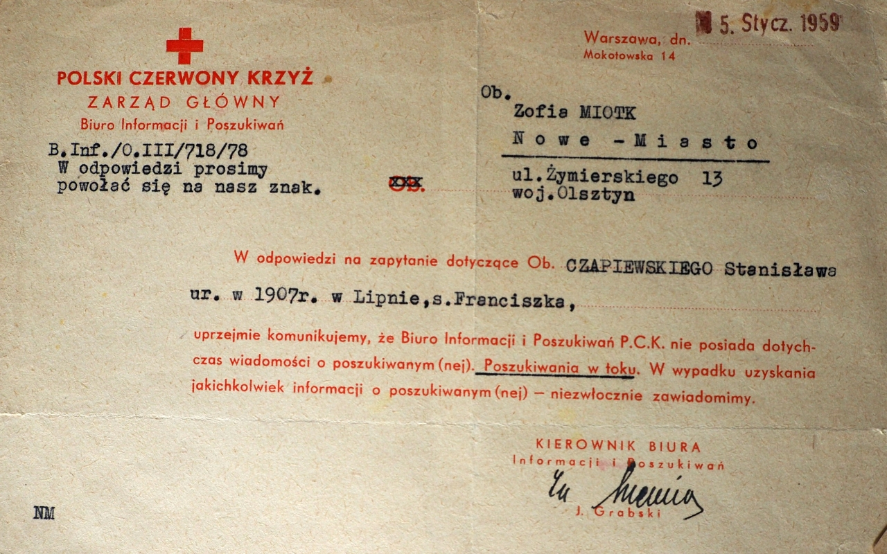 Clearly a form letter. The print is red and Stanisław Czapiewski's name, year of birth and place of birth are typed in.