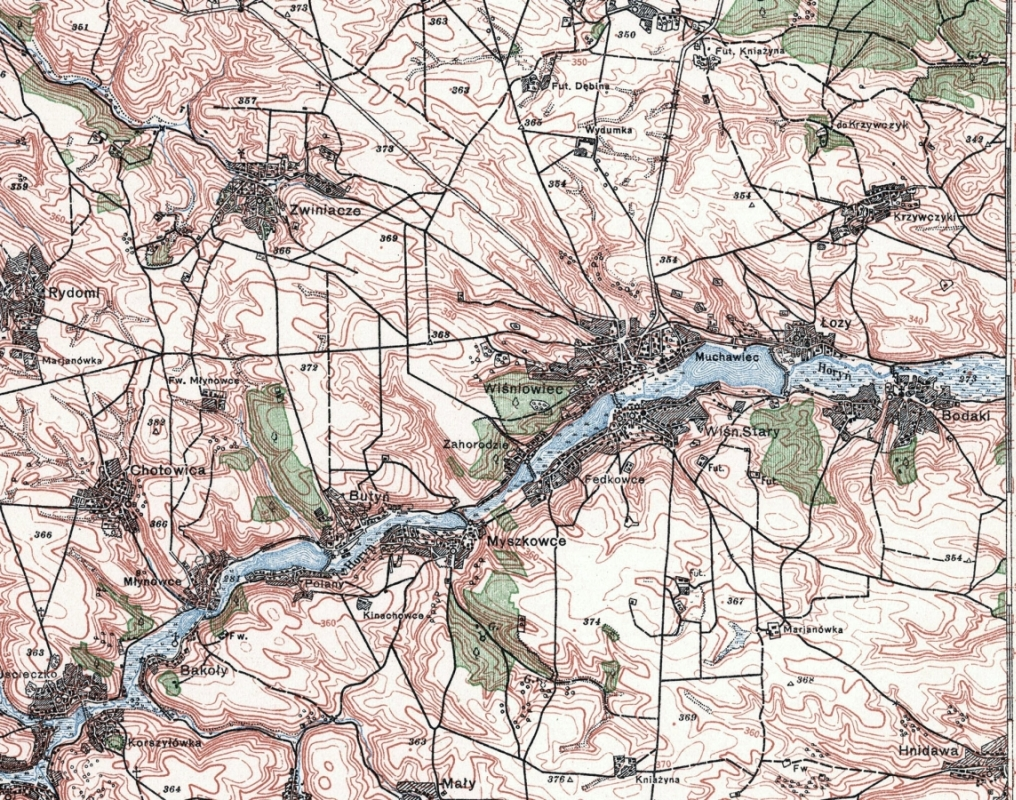 A close-up map from  Mapywig, of Zwinacze, showing contours, rivers, roads and buildings.