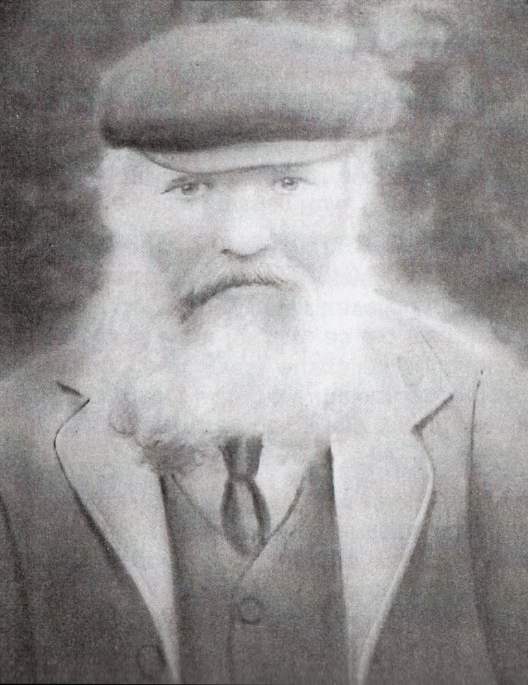 Black and white  head and shoulders image of Jacob Kuklinski senior