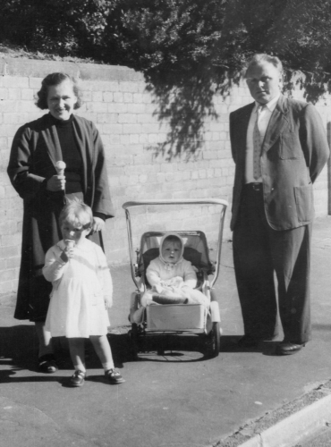Sarniak family on an outing in Wellington in 1960, Dorotka in pram, Lonia with ice-cream.