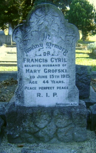 Headstone of Francis   Grofski