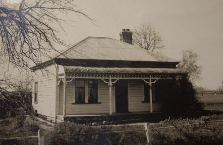 An early  bungalow in Marshland