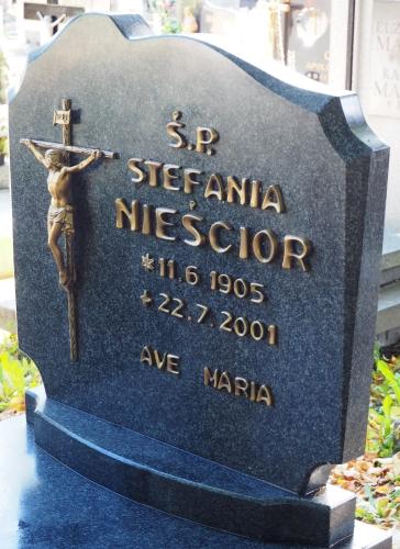Babcia   Nieścior's grave in Puck