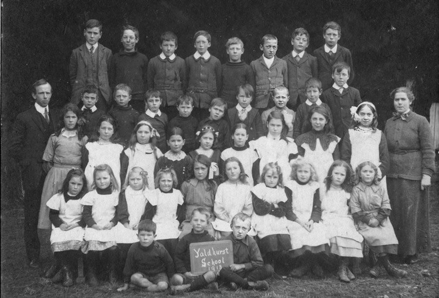 Yaldhurst  School photo 1913