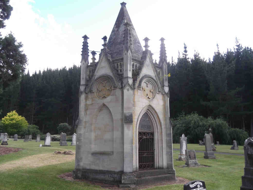 Daniel Heenan's  tomb at the Taieri cemetery