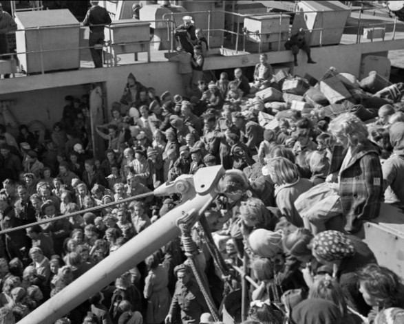 Polish children fill the deck of the USS General Randall as it docks in wellington in 1944