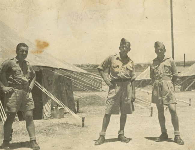 Władysław Piotrkowski with two other enlistees in Iraq