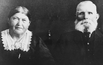 Black &  white head & shoulders photograph of Apolonia & Mathias Dodunski.
