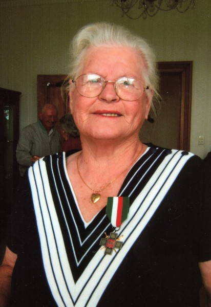 Wisia  Watkins wearing her Siberian Cross